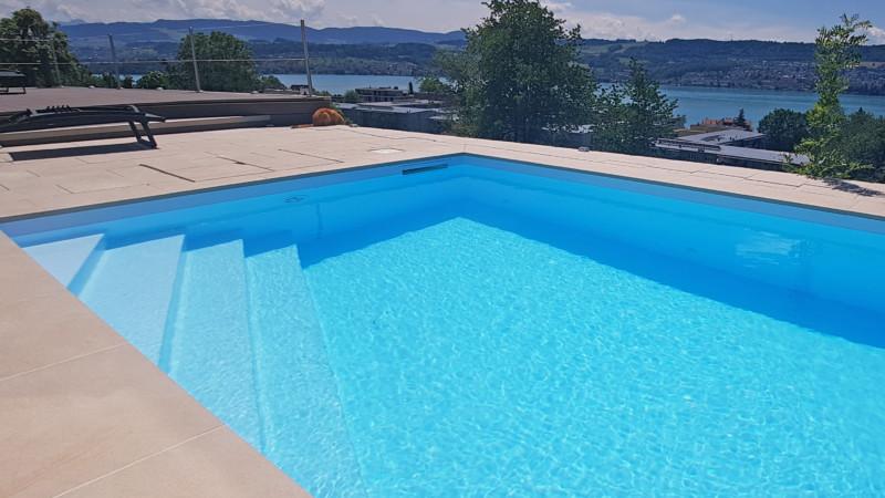 Schwimmbadtreppe 4