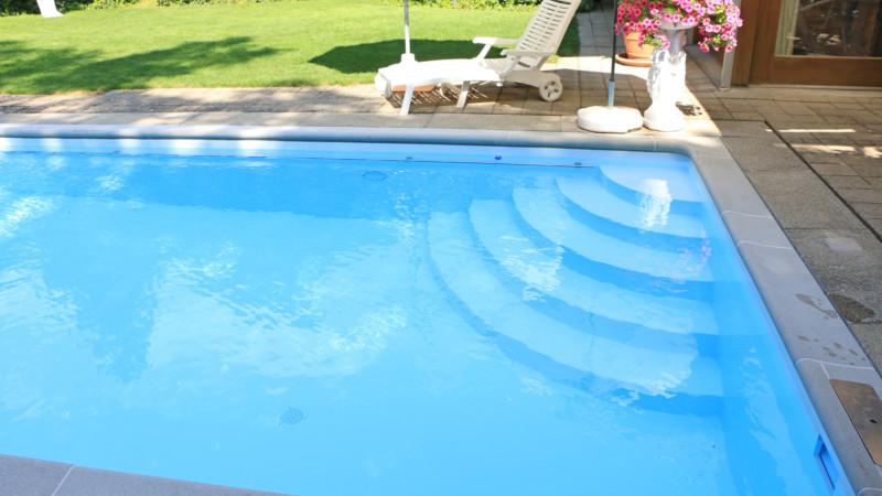 Schwimmbadtreppe 6